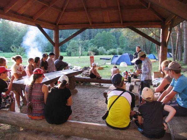 Stovyklautojai išradingai leisdavo laisvalaikį.  Anykščių regioninio parko direkcijos nuotr.